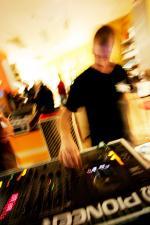 mit dem DJ..