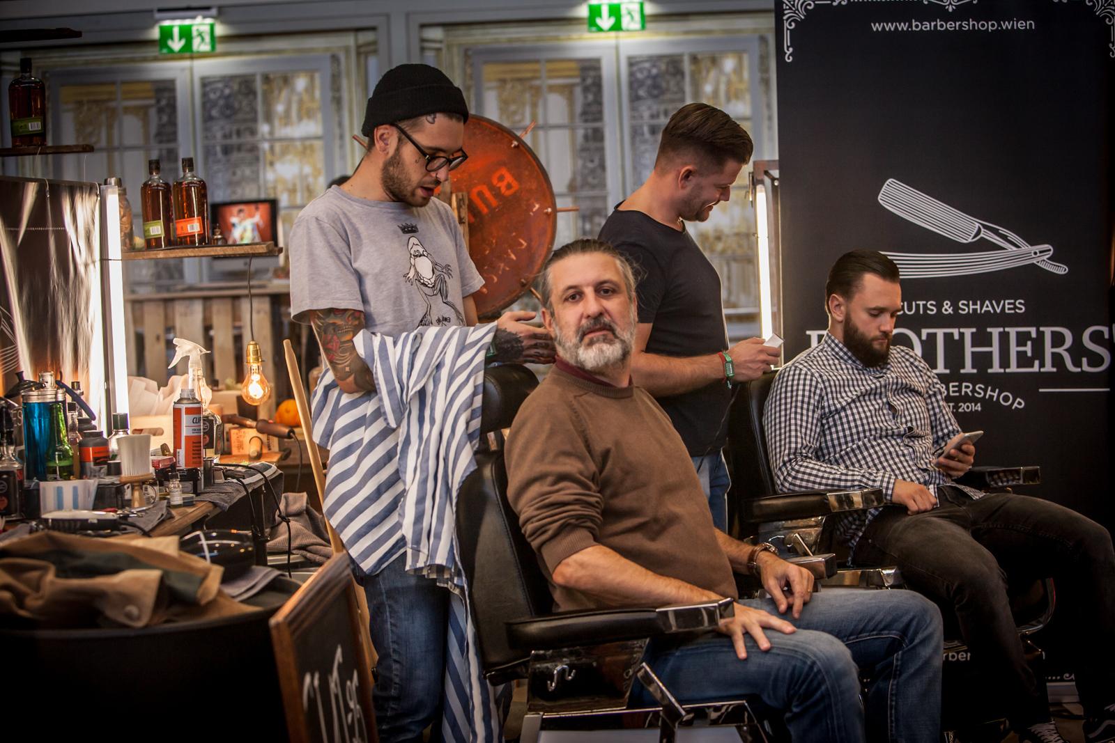 Wo Cycling Chic und Fahrradkultur, da neuerdings auch Bärte. Insofern durfte bei der WFS natürlich auch ein Barbier nicht fehlen ...