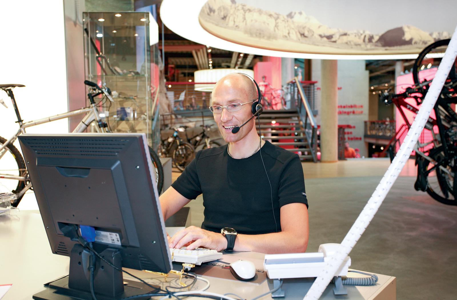 Bei den Kundendienst-Mitarbeitern vieler Hersteller laufen derzeit die Telefone heiß.