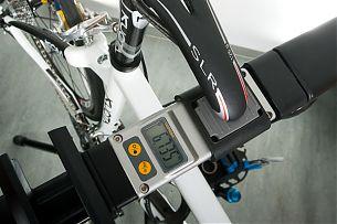 6.735 kg Gesamtgewicht beim KUOTA KOM Komplettrad inkl. Flaschenhalter und Pedale sind eine Ansage