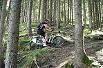 die 25km/h gehts allerdings immer, auch bergauf im Wald, olé