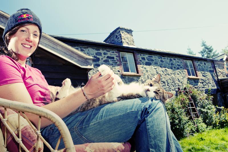 Im heimischen Cottage in Wales ...  Foto: rutgerpauw.com/Red Bull Photofiles