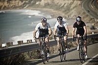 Das Trio beim Straßentraining in Kalifornien ... Foto: carroux.com/Red Bull Photofiles