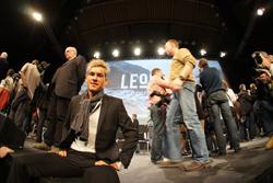 Stefan Denifl auf der Bühne, die am 6.1. die Radsportwelt bedeutete.