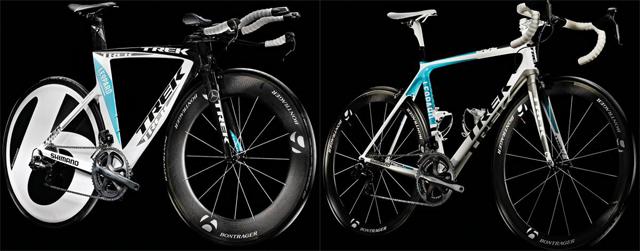 Die Arbeitsgeräte der Profis: Trek Speed Concept und Madone in den Teamfarben weiß, blau, schwarz.