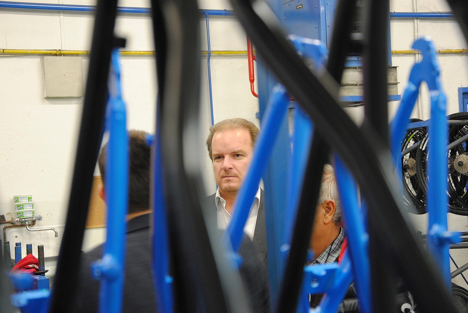 Gepida-Boss György Berkes beim Fachsimpeln.