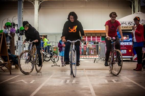 12:41 schaffte er beim Slow Biking, einer ziemlich lustigen Erfindung einer Niederländerin: