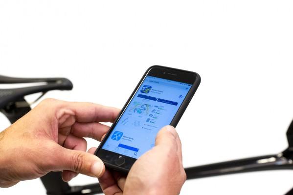 Zur Konfiguration und Erst-Kalibrierung empfiehlt sich die kostenlose Wahoo Fitness App für Android und iPhone.
