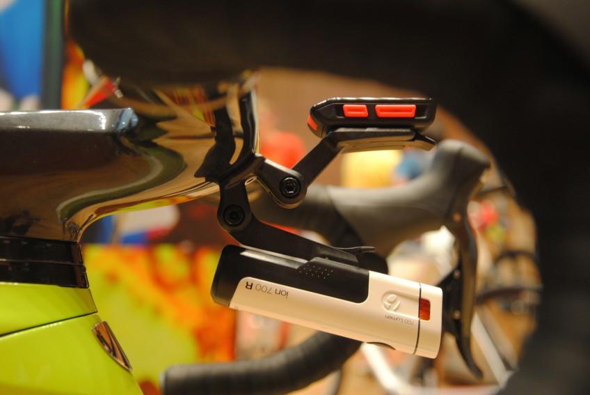 Potenter Front-Scheinwerfer: Bontrager Ion 700R mit bis zu 700 Lumen Leuchtkraft.