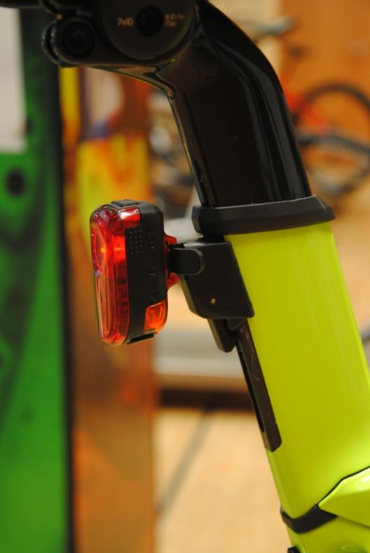 Flare R Tail Light mit 65 Lumen: sichtbar auch am Tag.