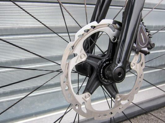 Vorne entschied man sich für 160 mm Rotoren.