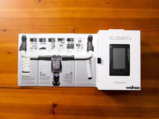 Die gut gemachte Verpackung informiert über die drei Hauptmerkmale: App, Quicklook-Leds, Perfect View-Zoom