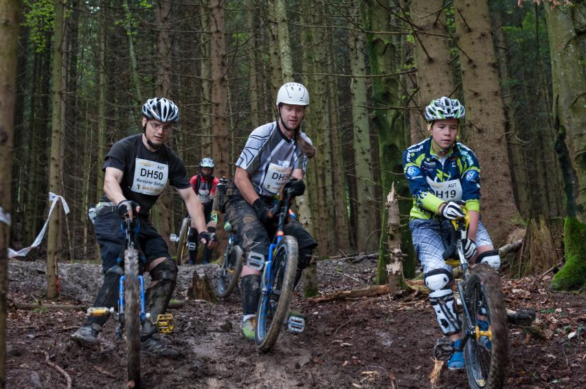 Spektakuläres Nischenprogramm: Die Einradfahrer haben auf den Strecken G und F nicht nur eine separate Marathon-Wertung. Sie küren im Rahmen eines Rennens vom Predigstuhl auch seit 2008 ihre Staatsmeister im Muni-Downhill.
