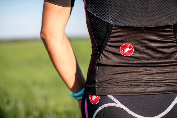 FreeAero 2 Taschen sind aerodynamisch optimiert und sto?ren beim Schwimmen nicht