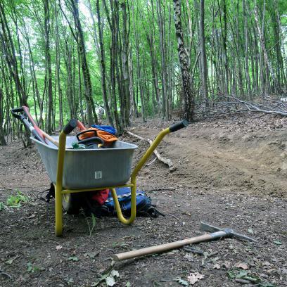 Fürs Bergauffahren zu bauen ist laut Berti einfacher, dafür komme beim Buddeln für die Gegenrichtung mehr Vorfreude auf.