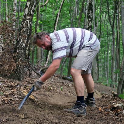 der Schrägfahrt, wichtig, damit's bei Nässe nicht zuviel rutscht und der Trail länger hält,