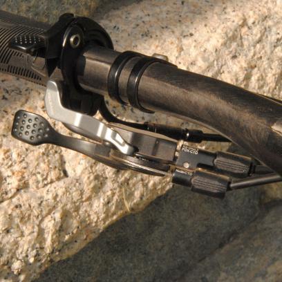 Der Twinloc-Hebel variiert den Federweg zwischen 150 mm/110 mm/Lockout.