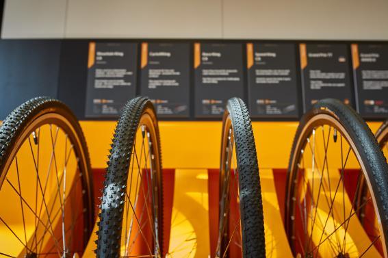 Alle im Vorjahr vorgestellen Cyclocross und Gravel-Reifen sind nun lieferbar. Die meisten mit PureGrip, NyTech-Breaker und bis 35 bzw. 45 mm.