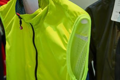 Pro Light Wind Vest, superleicht, winddicht, aber kein Windstopper; ein Sommerteil in vier Farben, UVP ? 79,95