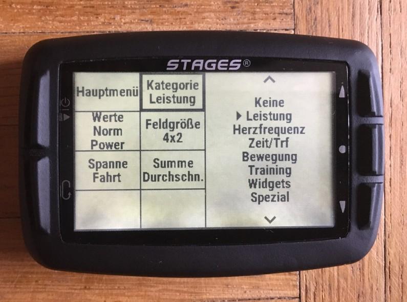 Bildschirm-Setup am Dash...