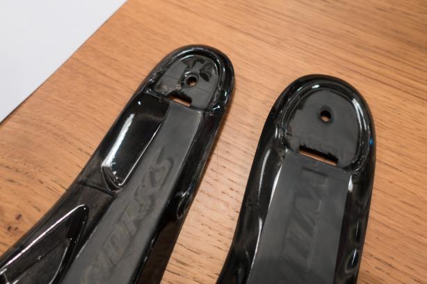 Die neue Powerline-Sohle ist die leichteste und steifste Sohle, die laut Specialized je hergestellt wurde. Links: S-Works 7, rechts: sein Vorgänger