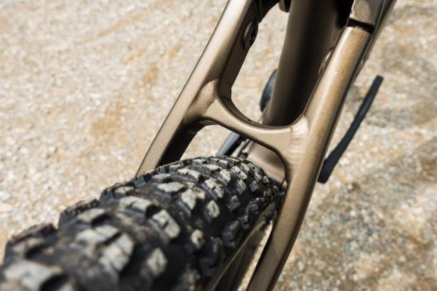 """Je nach Modell sind Reifen im 27.5"""" Plus-Format oder in 29"""" Standard. Der Rahmen bleibt allerdings gleich, sodass der Kunde selbst umrüsten kann."""
