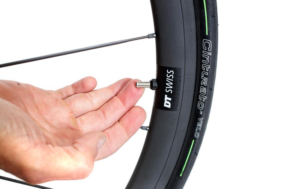 Nach dem Befüllen das Laufrad sehr vorsichtig hantieren.