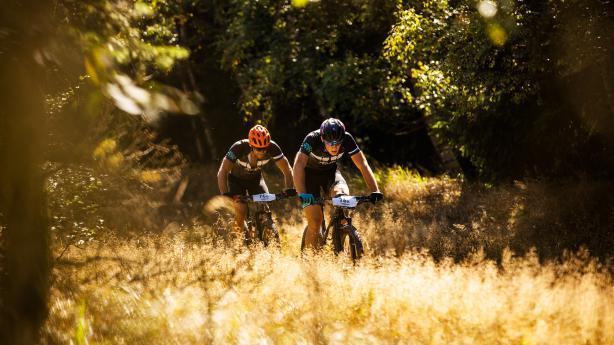 Review: Masiv MTB Stage Race 2018 Bahn und Bike verschränkten sich beim tschechischen Masiv Etappenrennen zu einer kongenialen Einheit und sorgten für ein MTB-Erlebnis der besonderen Art.