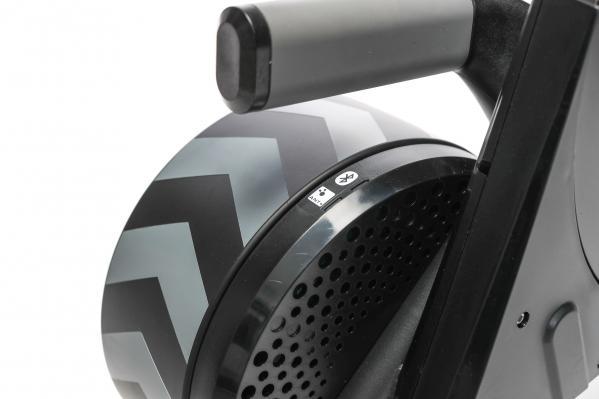 Die LEDs machen den Status der drahtlosen ANT+ und Bluetooth Smart Verbindungen sichtbar.