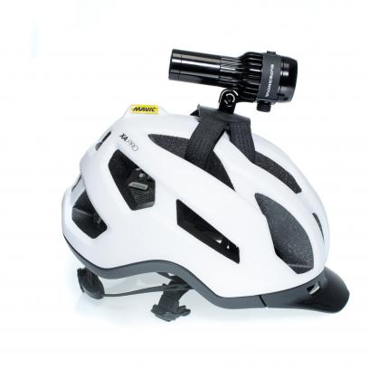 Neben eine Helmhalterung finden sich auch noch Lenker- und Vorbaumontagen im Zubehörkatalog.
