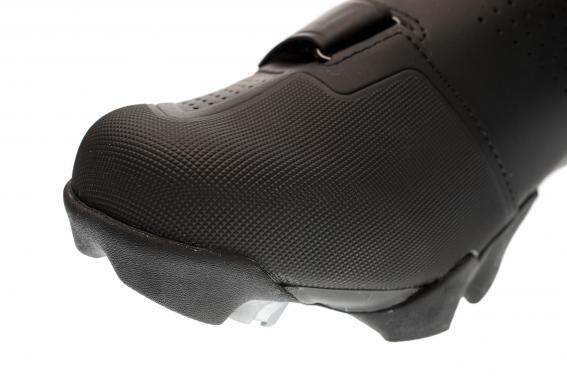 GnarGuard nennt sich Bontragers großflächiger Zehenschutz.