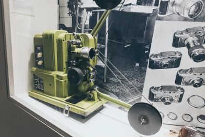1940: Filmprojektor 16 mm mit Ton