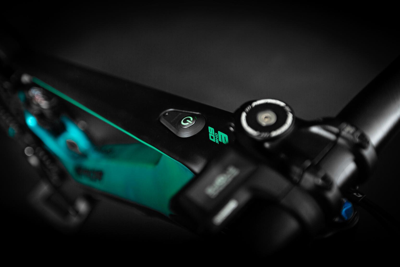 Shimano Steps Satellite On/Off-Switch: Der vorne am Oberrohr untergebrachte neue Ein/Aus-Schalter von Shimano ist benutzerfreundlich und sieht schick aus.