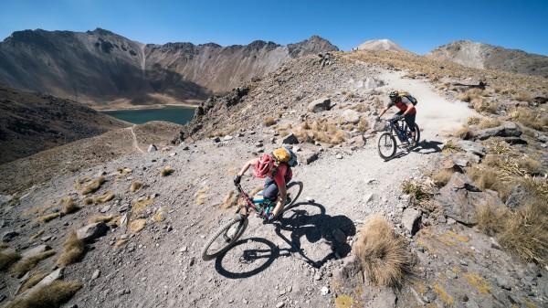 Evoc Bike Travel Bag & FR Trail in Multicolour Edition