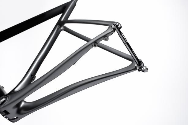 Thru-axles Cannondales Speed Release Steckachsen vorne und hinten ermöglichen bei den Disc-Modellen eine schnelle und einfache Laufradmontage (ohne die Steckachse komplett herauszunehmen) und sind mit den meisten Thru-axle-Laufrädern kompatibel.