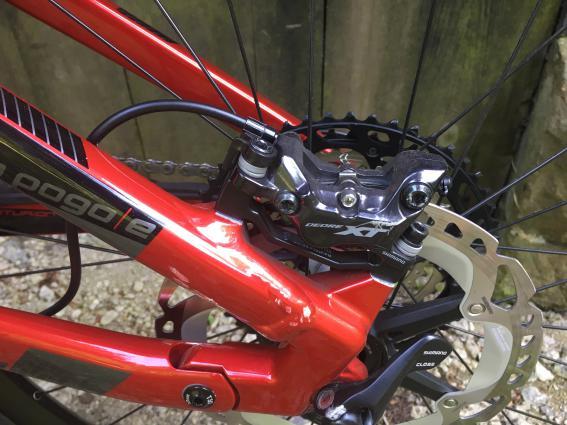 4-Kolben Bremsen an einem E-Bike gehören mittlerweile zum guten Ton.