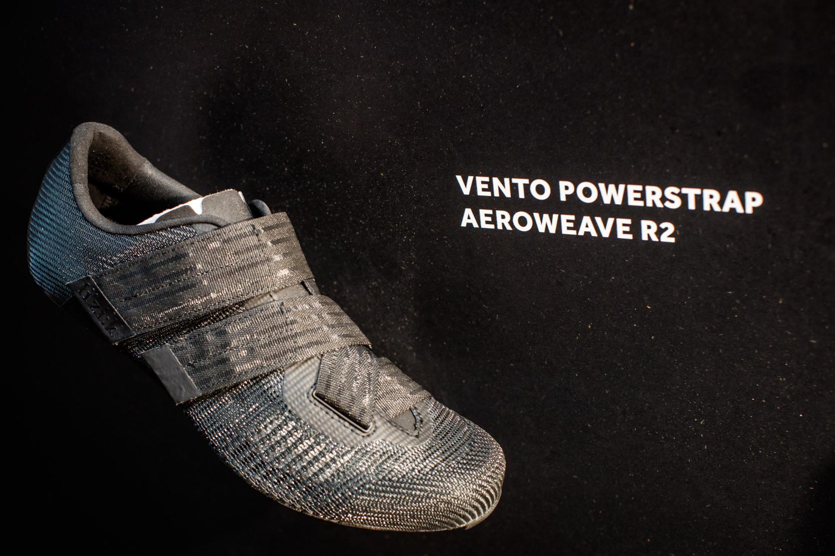 Vento Powerstrap Aerowave R2R2 Carbon Außensohle, 205 Gramm (42,5), Größen 36-48, Schwarz