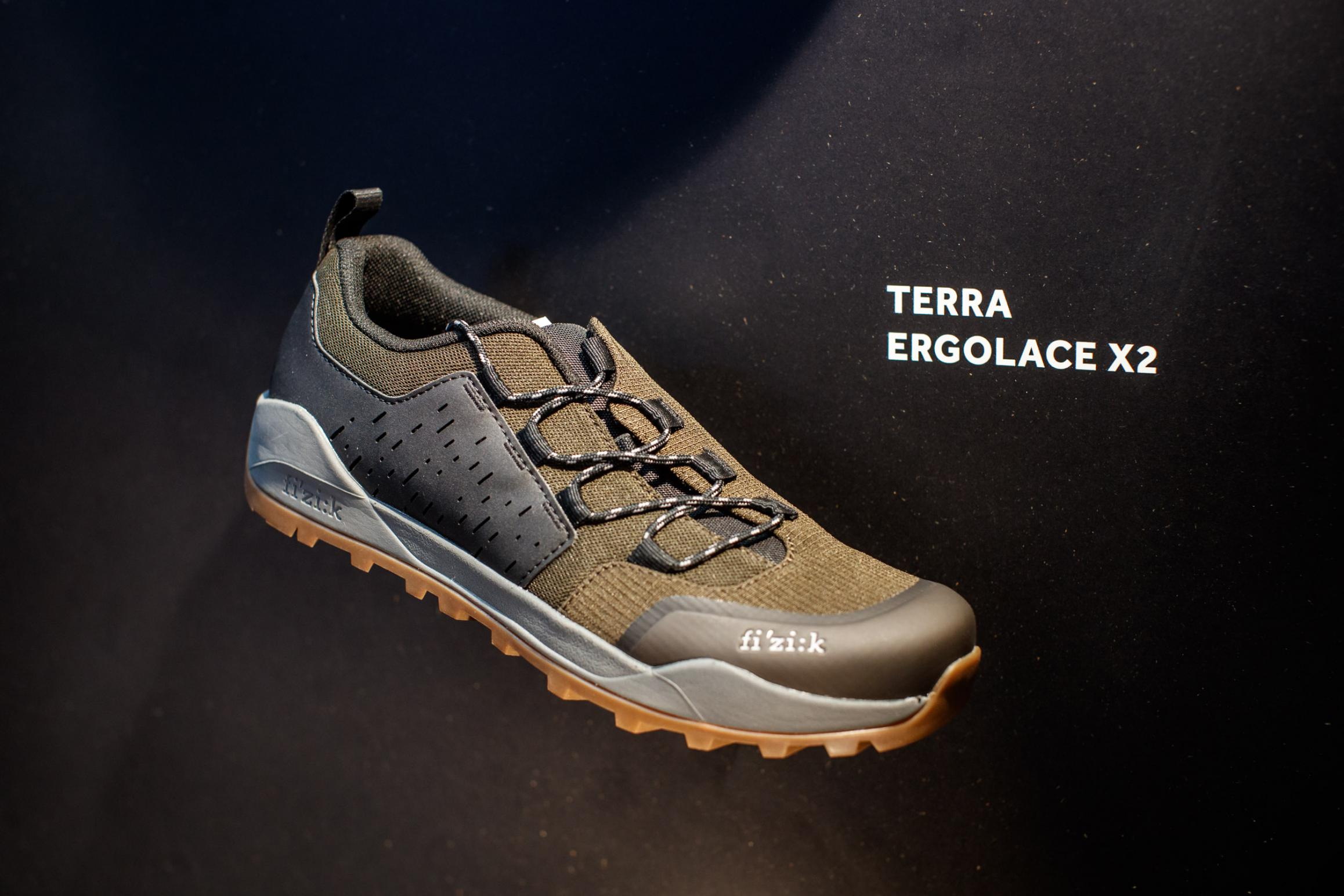 Terra Ergolace X2 Nylonsohle, 329 g (42,5), Größe 36-48, vier Farben