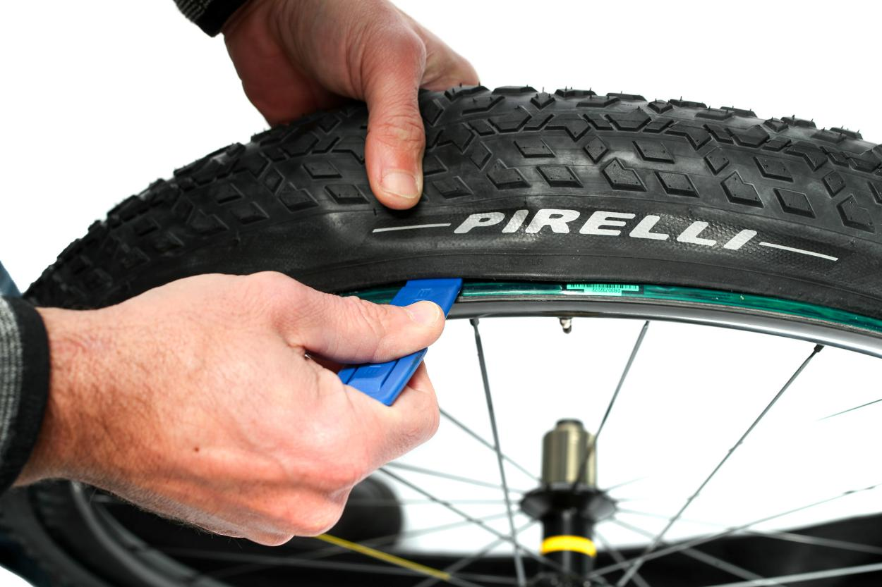 ... oder von hochwertigen Reifenhebern aus Kunststoff.