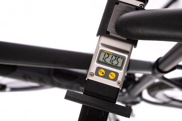 Gewicht ohne Drivepack (Akku und Motor), ohne Downtube-Cover (490 g), ohne Pedale