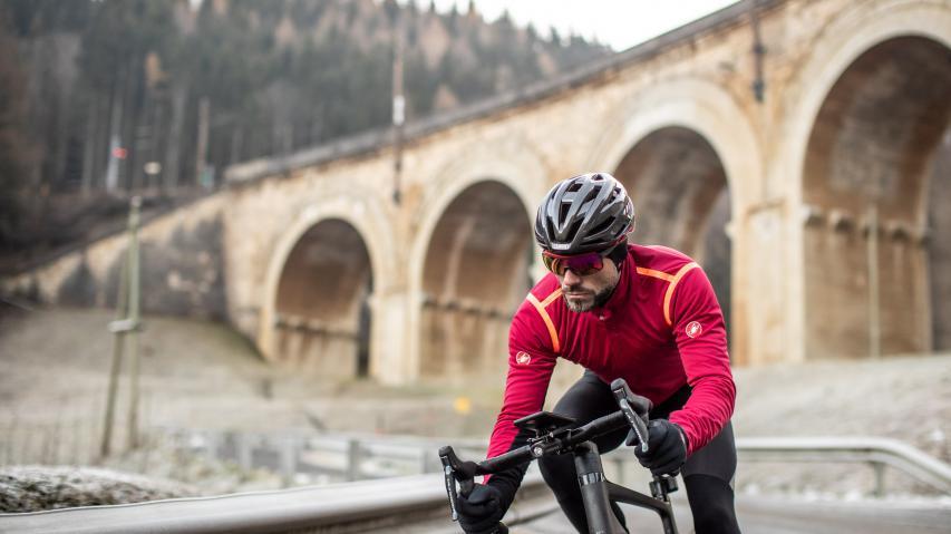 Castelli RoS Winter SpecialClevere Winterbekleidung für niedrige Temperaturen und wechselnde Bedingungen. Plus: 20 Tipps fürs Rennradtraining bei Kälte.