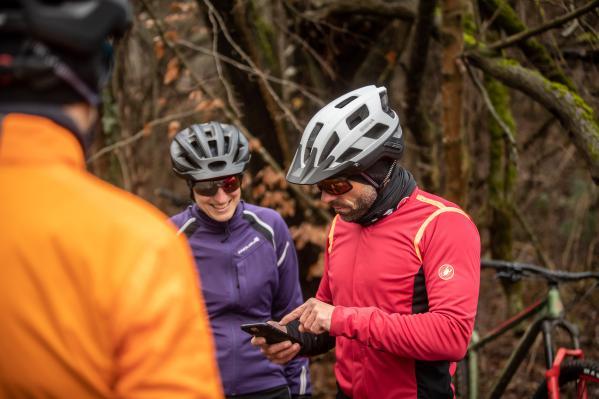 Sena Cycling App installieren...