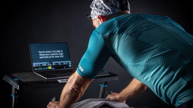 The SufferfestBegib dich in die Welt des Schmerzes! Strukturierte Workouts ohne virtuelle Animation, dafür mit individuellen Trainingsplänen, Yoga für Radfahrer, Kraft- und Mentaltraining.