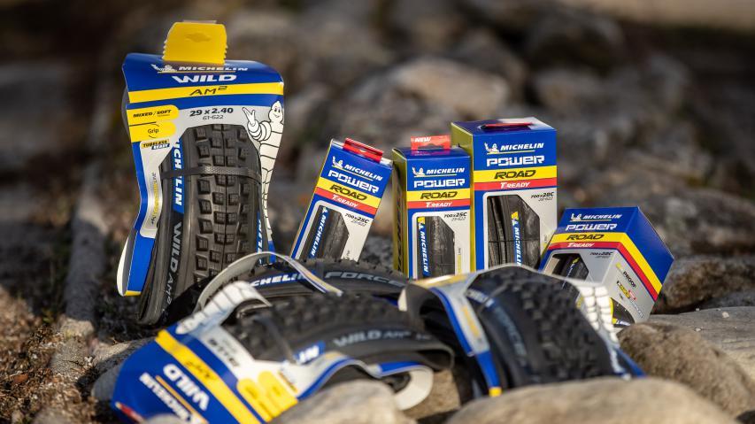 Michelin AM2 Competition & Power Road TLRMichelin zeigt mit Force AM2 & Wild AM2 zwei neue All-Mountain Reifen für's Gelände. Der Power Road TLR soll Rennradfahrer schlauchlos glücklich machen.