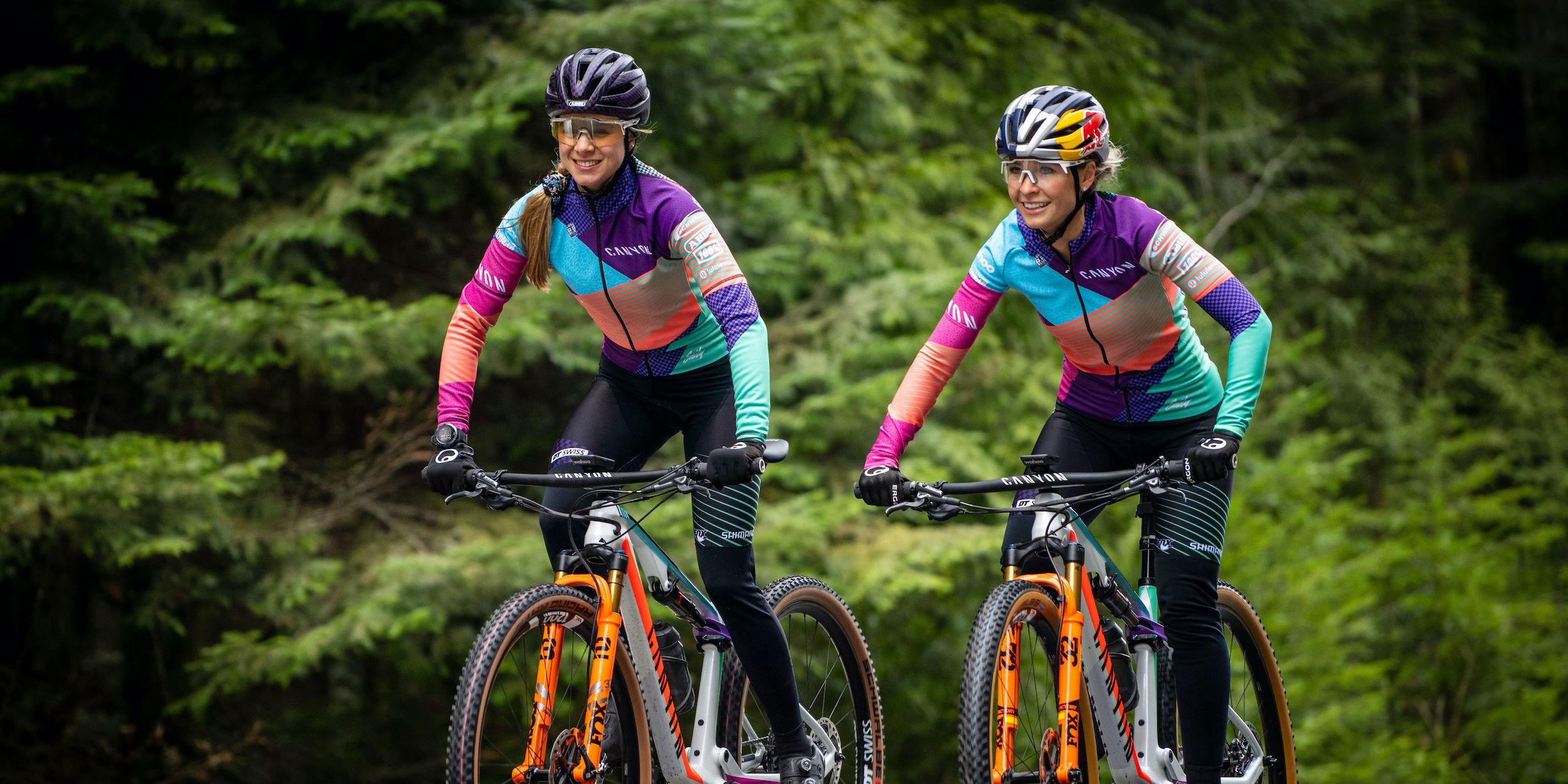 Abus Custom Helme für Emily Batty & Laurie Arseneault