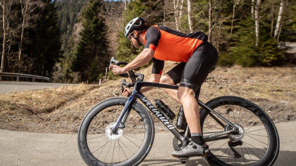 KYZR RC60 Disc im Test & First Ride Michelin Power Road TLR