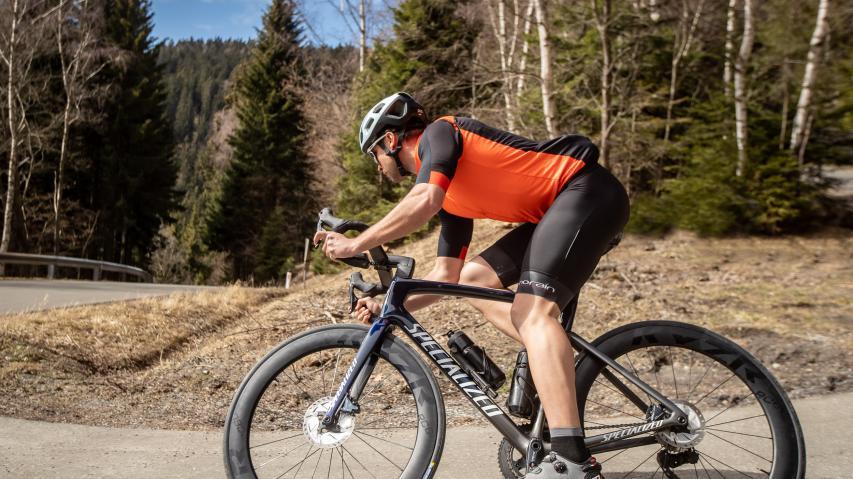 KYZR RC60 Disc im Test & First Ride Michelin Power Road TLRSchnelle Laufräder für schlaue Rechner - KYZR bringt mit den RC60 einen gut beherrschbaren Aero-Laufradsatz zum überraschenden Preis.