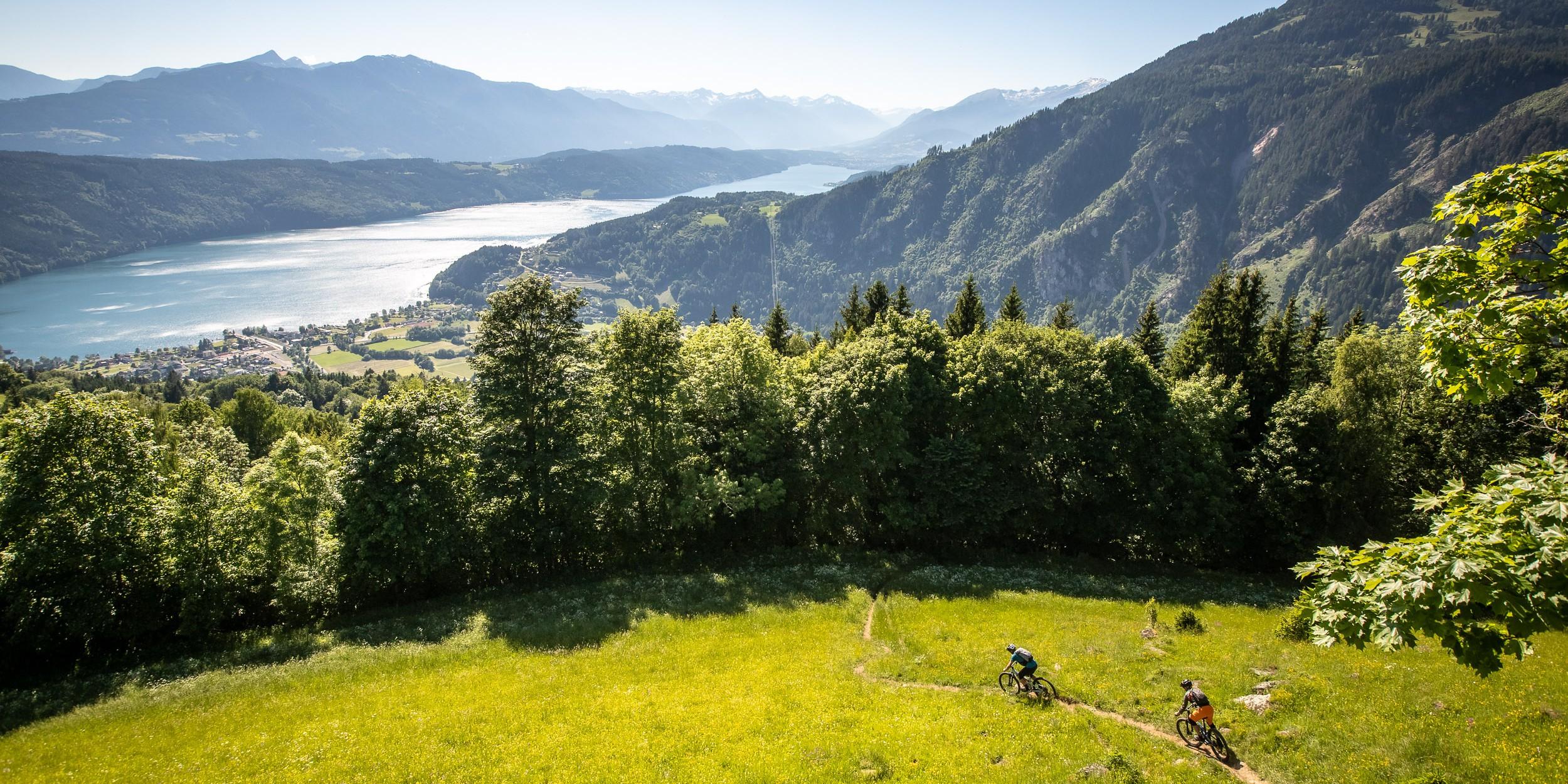 Nockbiken vom Berg zum See