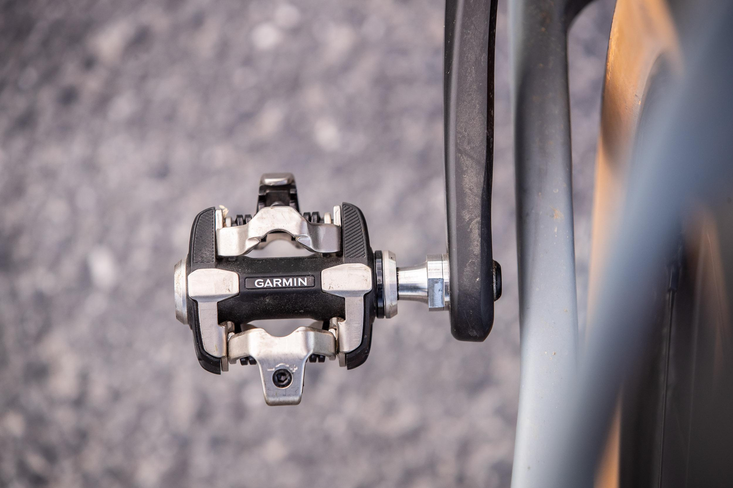 XC100 am Gravelbike: Auch links zu den asymmetrischen Kettenstreben ausreichend Abstand