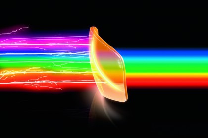 Die LST-Technologie gleicht extreme Lichtschwankungen aus, was die Augenermüdung reduziert und die Konzentrationsfähigkeit erhöht.